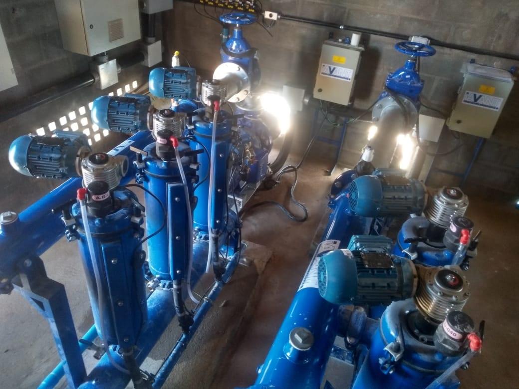 Casa de bomba compacta com 02 sistemas de filtragem